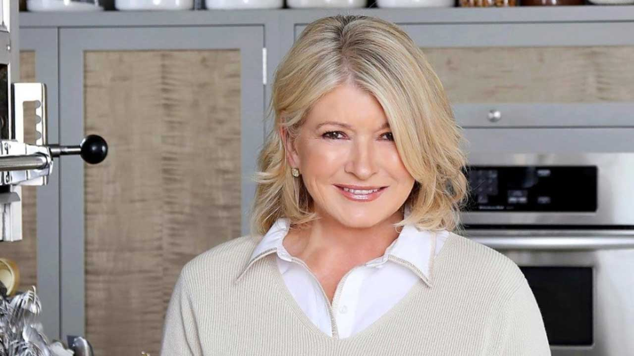 Martha Stewart, Gwyneth Paltrow, and Other Celebrities Endorsing CBD