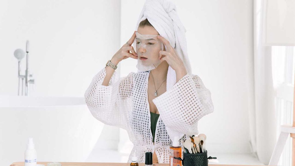 How to Use a CBD Facial Mask?